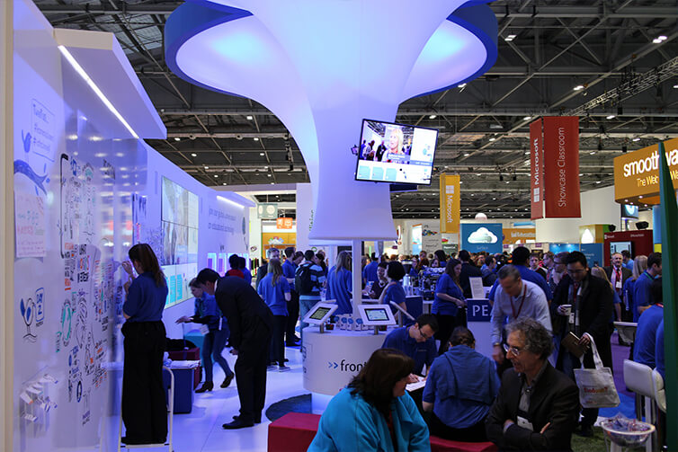 Exhibition-Stand-Live.jpg
